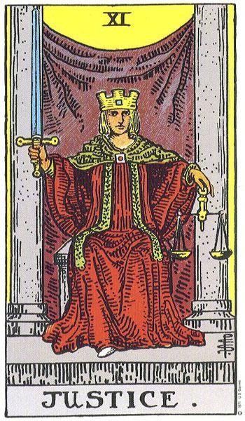 карта таро за деня, справедливостта, жена с корона, трон, меч, везни, решение, промяна