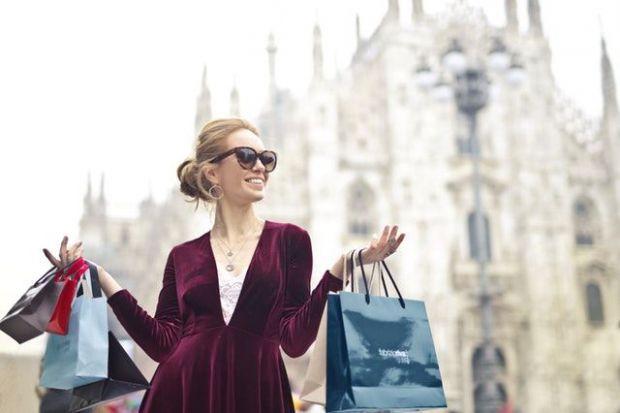 независима жена, костюм, работа, бизнес