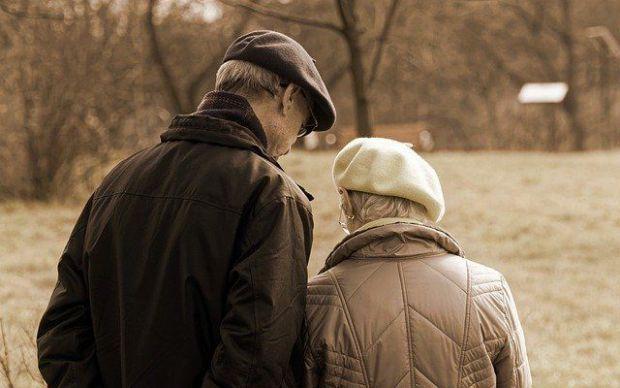 коронавирус, стари хора, пандемия