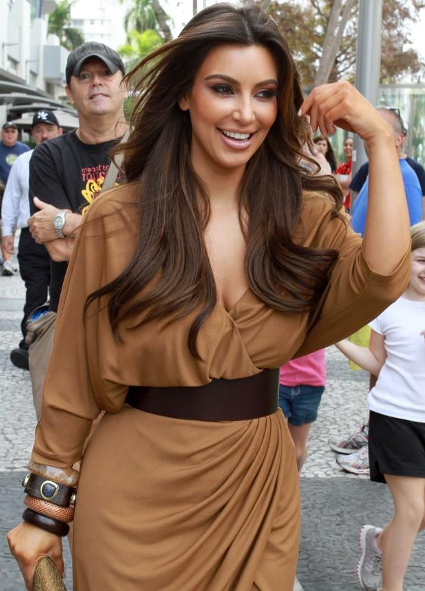 http://woman.hotnews.bg/static/uploads/content/11/kim-kardashian-leann-rimes-8303-1.jpg