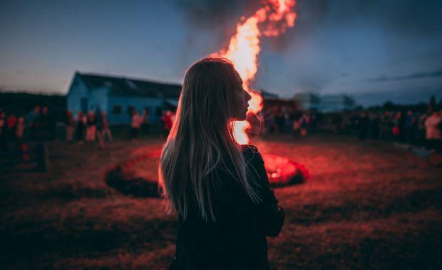 огън, пламенно изживяване, жена, енергия емоция