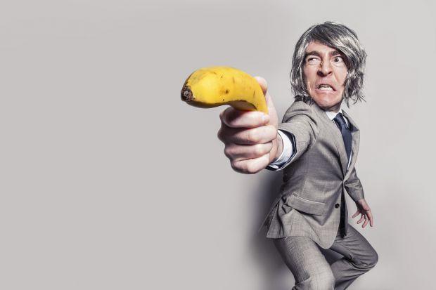 мъж, банан