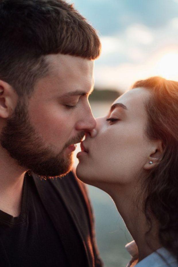 целувка, любов, влюбени, двама романтика