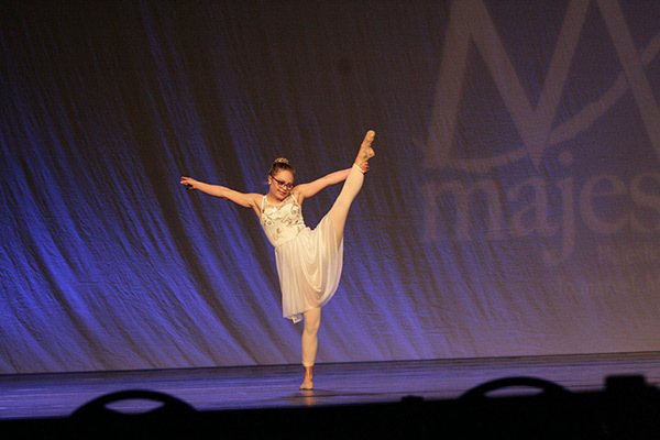 Микайла Холмгрен – първата американка със синдром на Даун, която ще се представи на конкурса Мис Минесота.