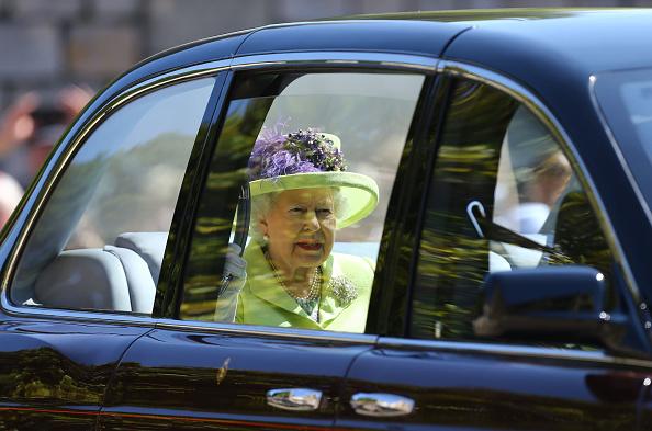 Кралица Елизабет на сватбата на принц Хари и Меган Маркъл
