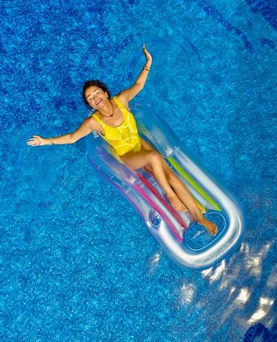 щастие, споделено, басейн, жълт бански, жена, спокойствие, релакс