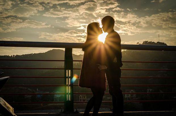 двама, залеж, любов, романтика