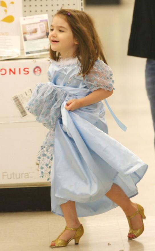7c62bd5b7bb Майкъл Корс качва малките момиченца на токчета и платформи - Мама и ...