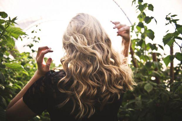жена, зодия овен, коса, фризьор