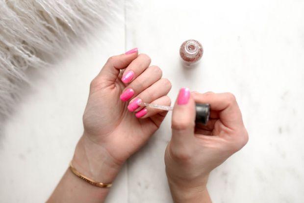 маникюр, нокти, гризене на нокти. лош навик