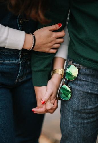 ръка за ръка, връзка, интимност, щастие, споделеност, любов