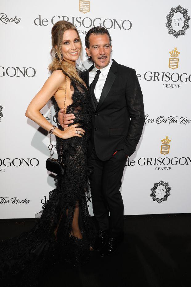 Антонио Бандерас с 35-годишната си приятелка Никол Кимпел