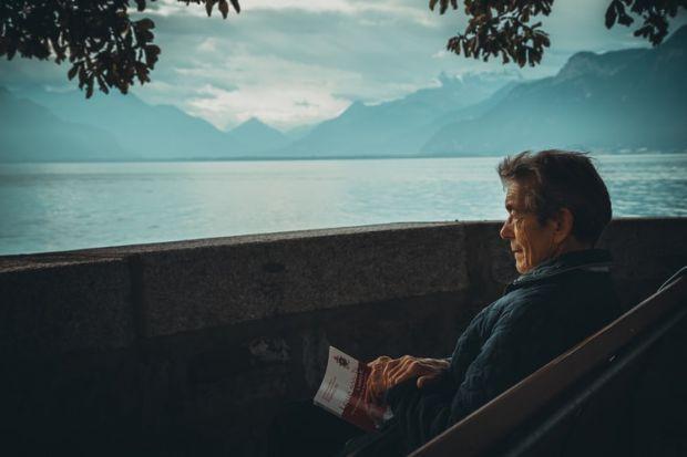 стар човек, възрастен, живот, бряг, кей, самотен