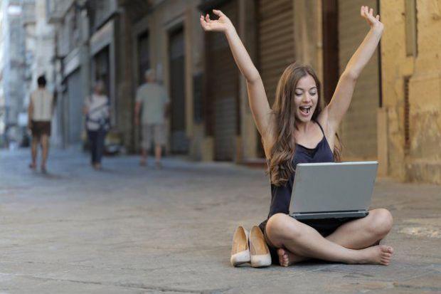 трудности, израстване, успешен, еволюция, жена, токчета, лаптоп, успешна