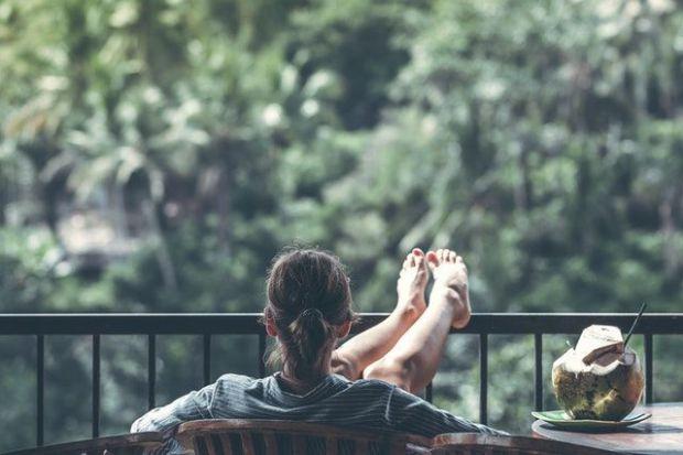 релакс, почивка, жена, гора, тераса, спокойствие, храна, здраве