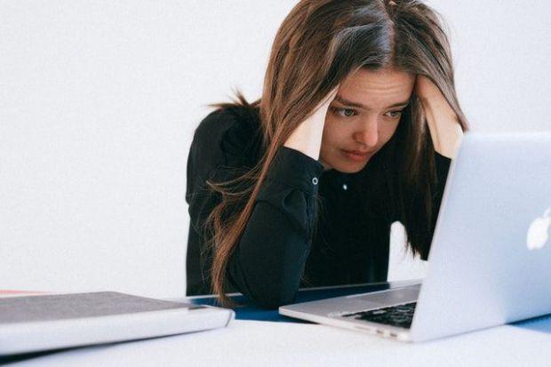 тъжни, сърцерадирателни, истории, жена, компютър