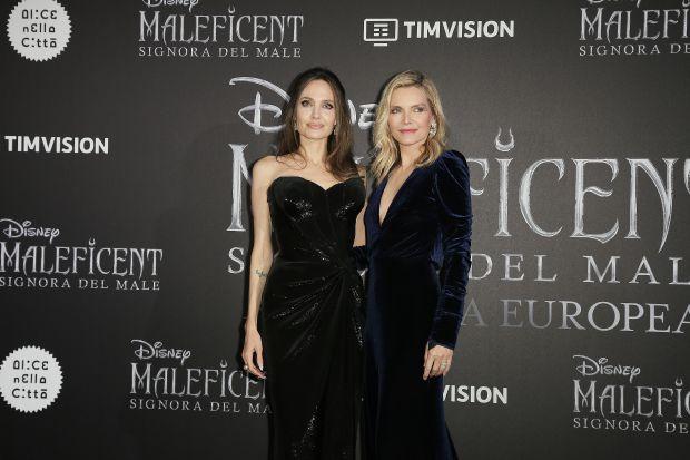 Анджелина Джоли, Мишел Файфър, премиера, филм, състарено лице