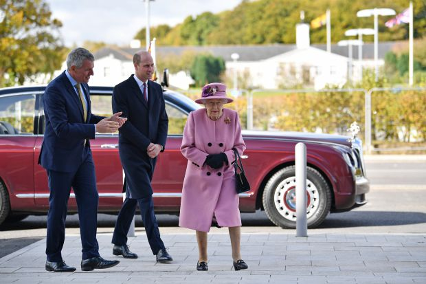 кралица елизабет втора, принц уилям