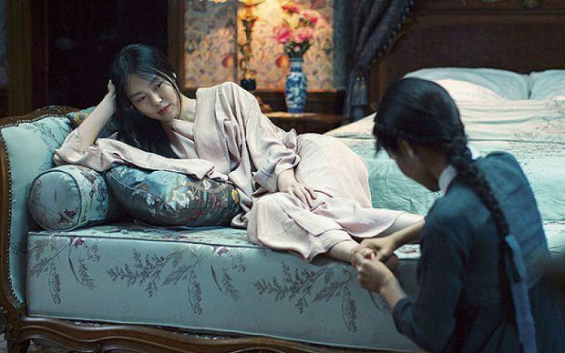 По света и у Азия - Page 2 Handmaiden3