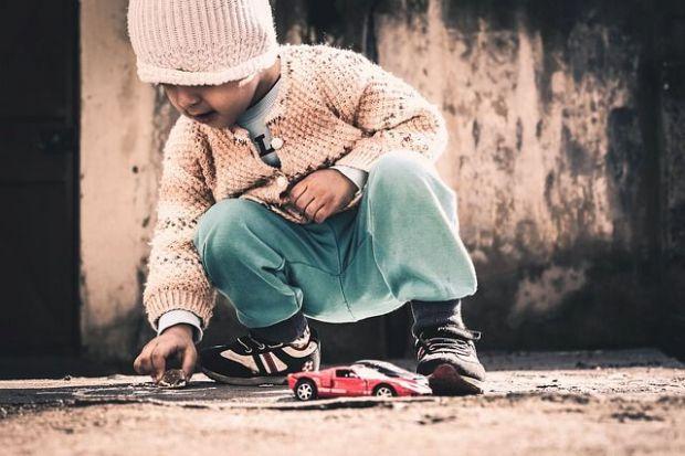 дете, игра, зодия водолей