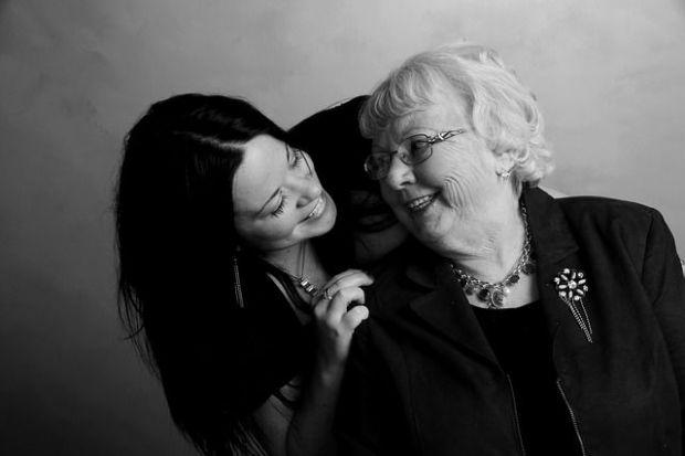 майка, баба, разговор, подкрепа