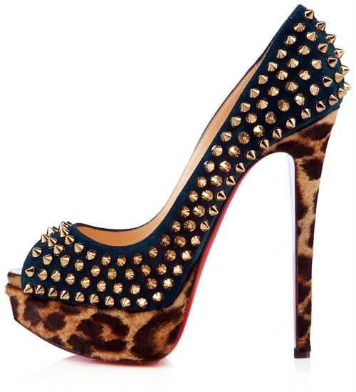 2d290e38260 Изработва се в Италия. Токът е висок, както при повечето обувки на Christian  Louboutin.