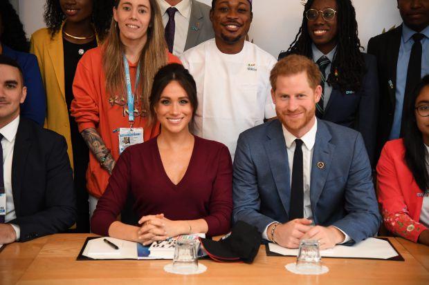 меган маркъл, принц хари, двойка, британското кралско семейство