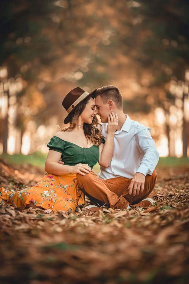 близнаци, хармония в отношенията, двойка, есенни листа