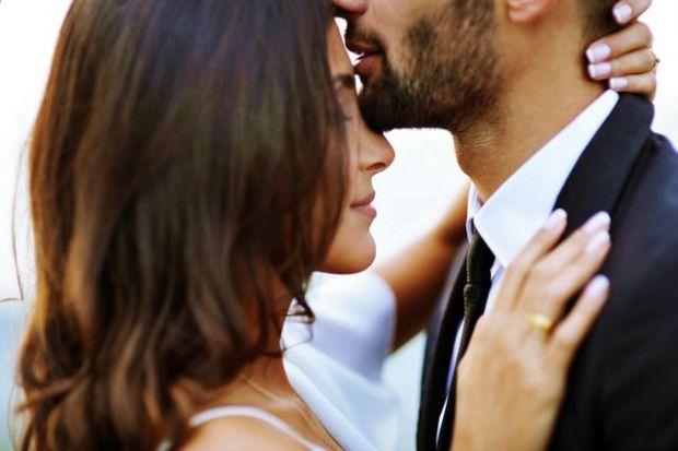стрелец, зодия, романтика, близост, милувка, целувка, вълнение