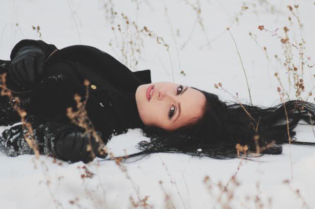 жена, зима