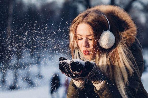 жена, сняг, щастие, късмет, енергия, позитивизъм, комуникация