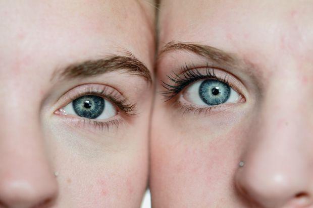 жени, сини очи
