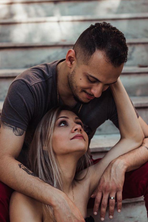 седмичен любовен хороскоп, зодия овен, влюбена двойка, прегръдка