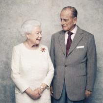 Кралица Елизабет II и принц Филип празнуват платинена сватба