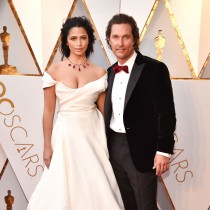 Най-красивите двойки, които преминаха по килима на Оскарите