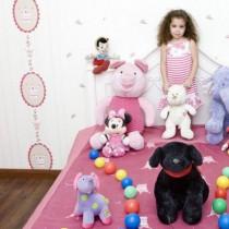 15 деца от цял свят показват любимите си играчки