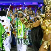 С главозамайващ парад и политически апел започна карнавалът в Рио