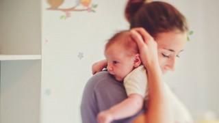 Защо е важно да говорим за месеца след раждането