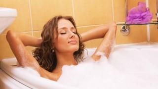 Горещата вана - моят таен ритуал в студените дни