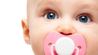 Как да откажем безболезнено детето от биберона