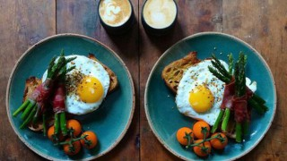 Обилната закуска извайва плоско коремче