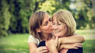 Най-неудобните разговори с майка ти