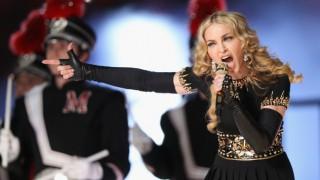Мадона скочи срещу нов филм за нея