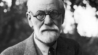 Фройд: Сексуално отклонение е само липсата на секс