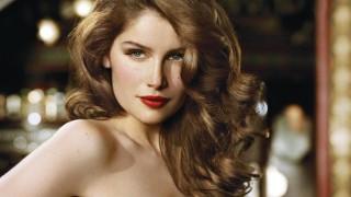 Най-красивата и влиятелна дама в Холивуд - Летисия Каста на 43