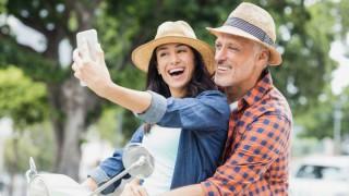 Защо възрастните мъже харесват по-младите жени