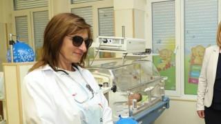Сестрата на Бойко Борисов: Наблюдавам 24 часа бебетата в