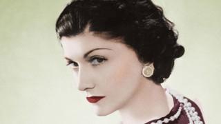 Коко Шанел, родена днес: Жената трябва да бъде две неща: стилна и зашеметяваща