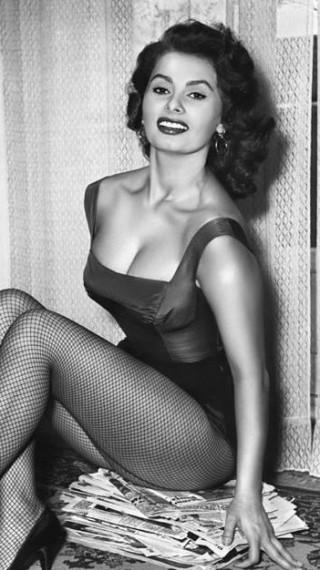 Иконата на сексапила София Лорен става на 86!