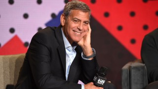 Джордж Клуни: Децата ме игнорират, защото нямам гърди
